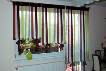 Кухня с балконной дверью не проблема для подбора штор