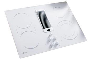 Белая панель - отличное решение для светлых кухонь