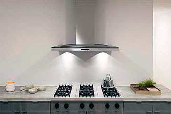 Как выбрать вытяжку на кухню: разновидности и важные технические аспекты